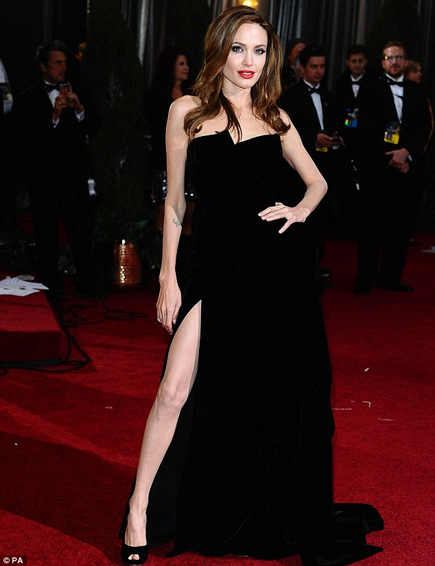 Angelina Julie in Atelier Versace Gown in 2012 Academy Awards